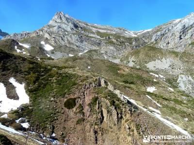 Montaña Leonesa Babia;Viaje senderismo puente;membranas impermeables refugio bujaruelo grupos para